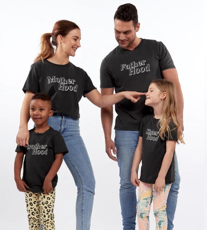 Matchande t-shirt hela familjen