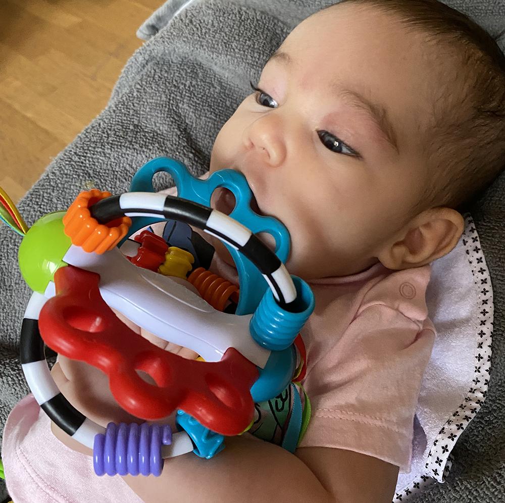 babyleksak nyfödd bitleksak skip hop