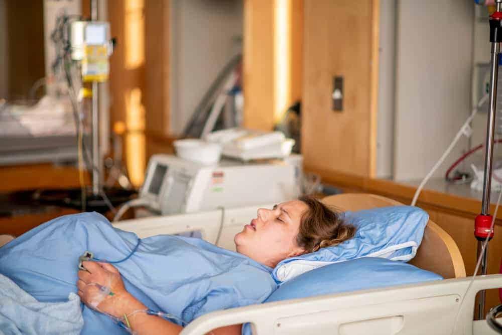 kräkningar gravid sjukhus dropp