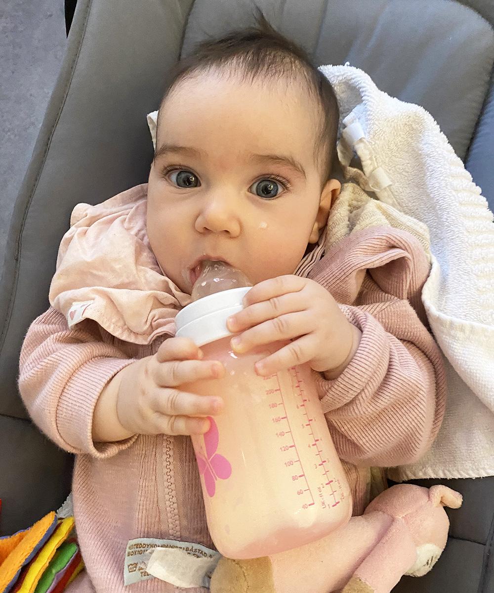 sluta amma få bebis att ta flaskan hur