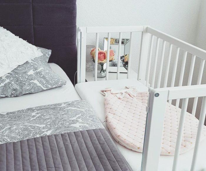 Billig bedside crib Fillikid