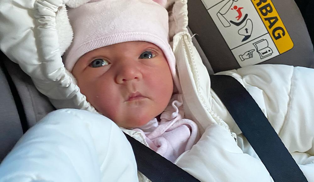 Gulsot bebis gula ögon