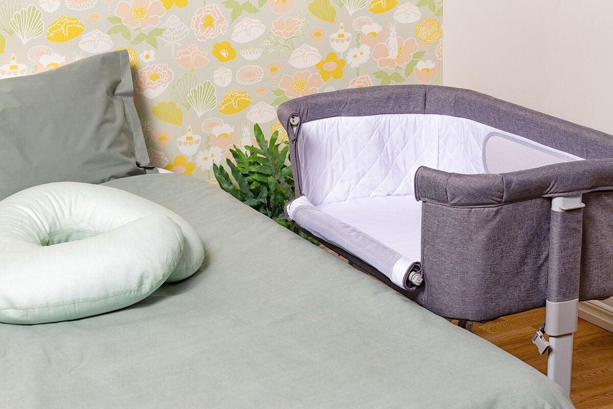 Moweo bedside crib