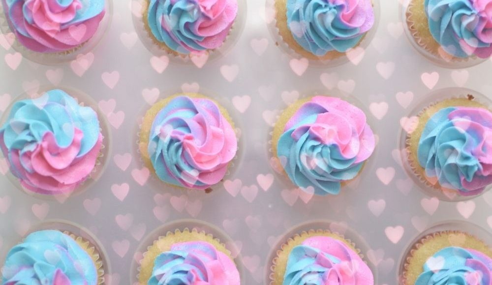 gender reveal cup cakes muffins