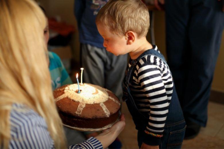 Present till 2 årig pojke present till tvåårig kille