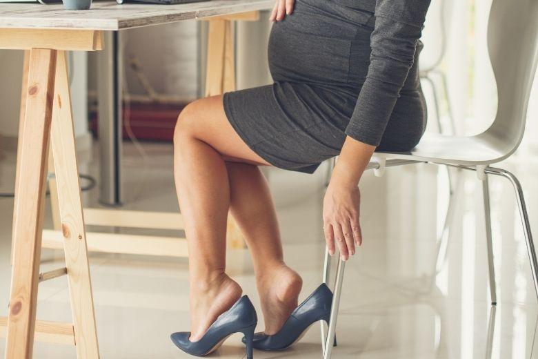 Svullna fötter gravid som gör ont